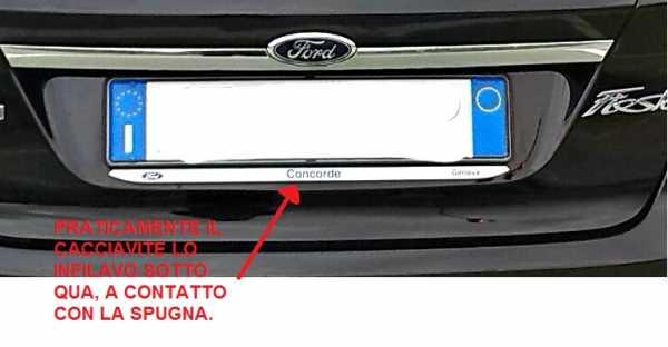 Smontare luci targa - Mercedes-Benz Club Italia
